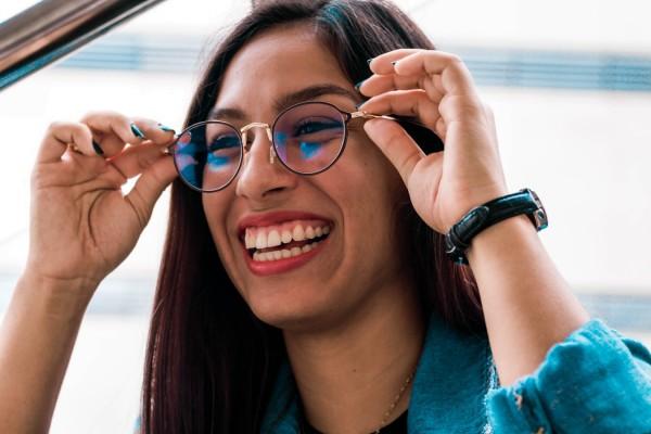 Brillenfassung-Das-perfekte-Material-fur-Ihren-Look