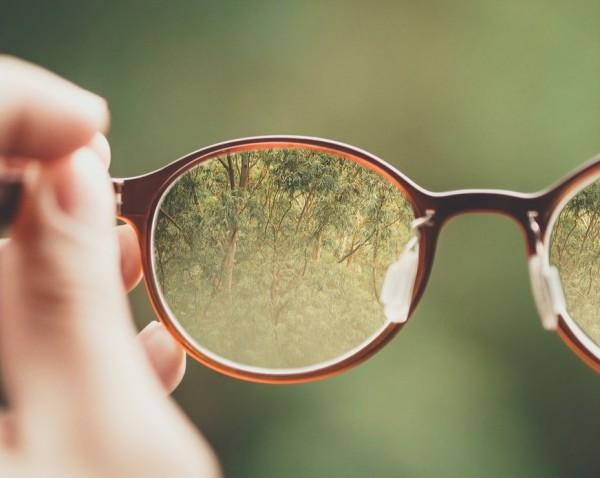 Brillen-richtig-putzen